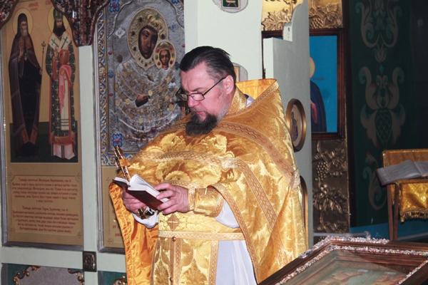 ИК-1 посетил настоятель расположенного на территории учреждения храма в честь Николая Чудотворца протоиерей Александр Азаренков