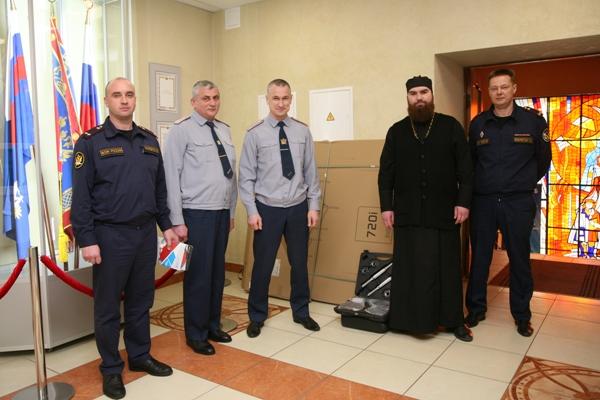 отдел по тюремному служению Воронежской епархии в рамках рождественских поздравлений передал подарки осужденным, отбывающим наказание на участке, функционирующем как исправительный центр