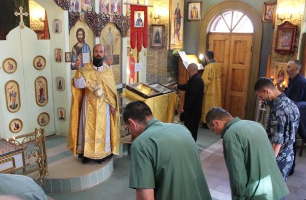 В День Крещения Руси настоятель храма протоиерей Борис Филаретов посетил исправительную колонию №1